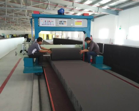 Long sheet foam cutting machine